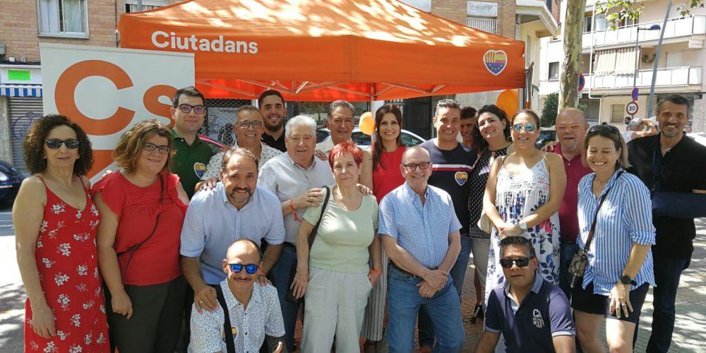 Visita de Lorena Roldán, Xavier Alegre y Elisabeth Valencia a Esplugues